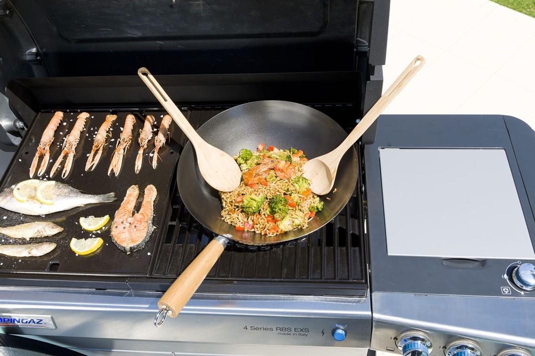 Obrázek galerie pro produkt Campingaz Culinary Modular Wok Ocelová pánev + 2ks bambusové vařečky /2000014584/