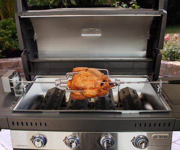 Obrázek galerie pro produkt Campingaz Premium Rotisserie Kit /2000036962/ Rožnící jehla s elektromotorem na drůbež