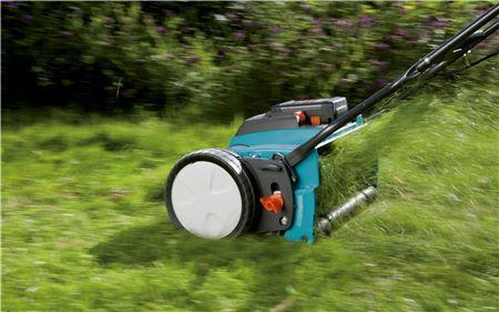 Obrázek galerie pro produkt Gardena 380 ACU Li 4025-20 + AKCE, Aku vřetenová sekačka na trávu + sběrný koš, 25V - 3,0 Ah