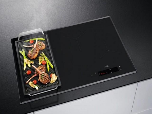 Obrázek galerie pro produkt AEG IAE84850FB Tmavě šedá indukční varná deska 78cm, FlexiBridge, SenseCook Fry - AKCE