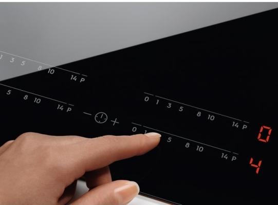 Obrázek galerie pro produkt Electrolux EIS6134 700 SENSE SenseFry Indukční varná deska 60cm, Windmill, Hob2Hood